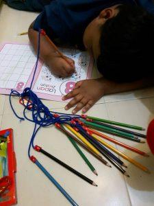 Pensil Warna Tidak Mudah Hilang